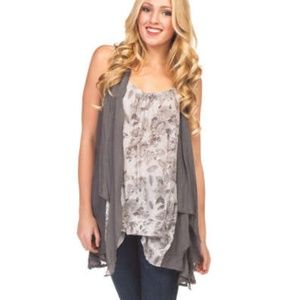 NWT BOUTIQUE PAPILLON CLOUDY DAY IN TOP